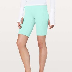 """Lululemon On Pace Short *10"""" in Washed Marsh 8"""